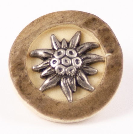 Hirschhornimitat Altsilber mit Blume 2-Loch - 18mm